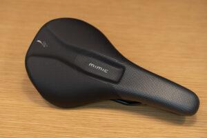 【新製品】大人気 MIMICテクノロジーを搭載した BRIDGE COMP WITH MIMIC サドルが新登場!