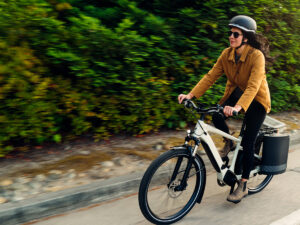 e-Bike TURBOに最適なパニアバッグ、Tailwindが登場!